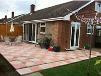 A lovely 2 bedroom bungalow in a quiet and respectful area very near GCHQ Cheltenham
