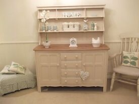 LARGE SOLID OAK WELSH DRESSER , IMMACULATE CONDITION. COLLECT FROM LN13 OR NOTTINGHAM