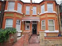 3 bedroom flat in Bathurst Gardens, Kensal Green