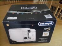 DE LONGHI * ROTO FRYER model F28311 * USES 50% LESS OIL*Rotates with ANGLED BASKET * USED ONCE ONLY