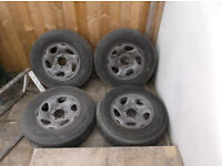 Toyota Hilux mk5 2002 Wheels and Tyres