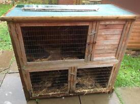 Rabbit hutch in good condition