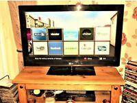 FOR SALE LG 32in SMART LCD TV FULL HD NOT DVD CAR BIKE