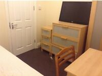 Cosy single room in student house, Swansea (Uplands)