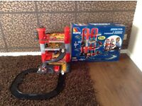 Molto 4 Storey Toy Parking Garage - in fab condition