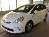 2012 Toyota Prius v ** VÉHIUCLE HYBRIDE ** SEULEMENT 103 $/SEMAI