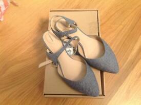 54e14763ff Girls  Vans  shoes
