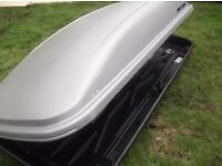 Mont Blanc roof box 540litres and maypole roof bars