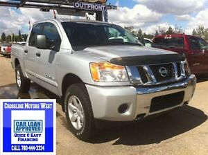 2014 Nissan Titan SV | 4X4 | Power Options | 5.6L V8 |