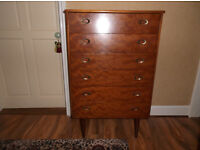 REtro style chest of drawers
