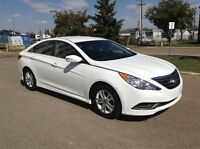2014 Hyundai Sonata Free Led tv, Ipad or xbox one