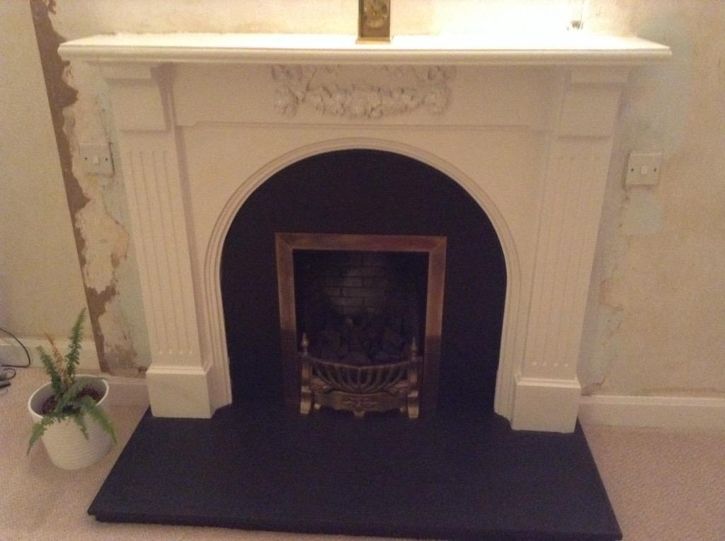 Fireplace White surround black slate hearth and back  : 86 from www.gumtree.com size 1024 x 764 jpeg 66kB