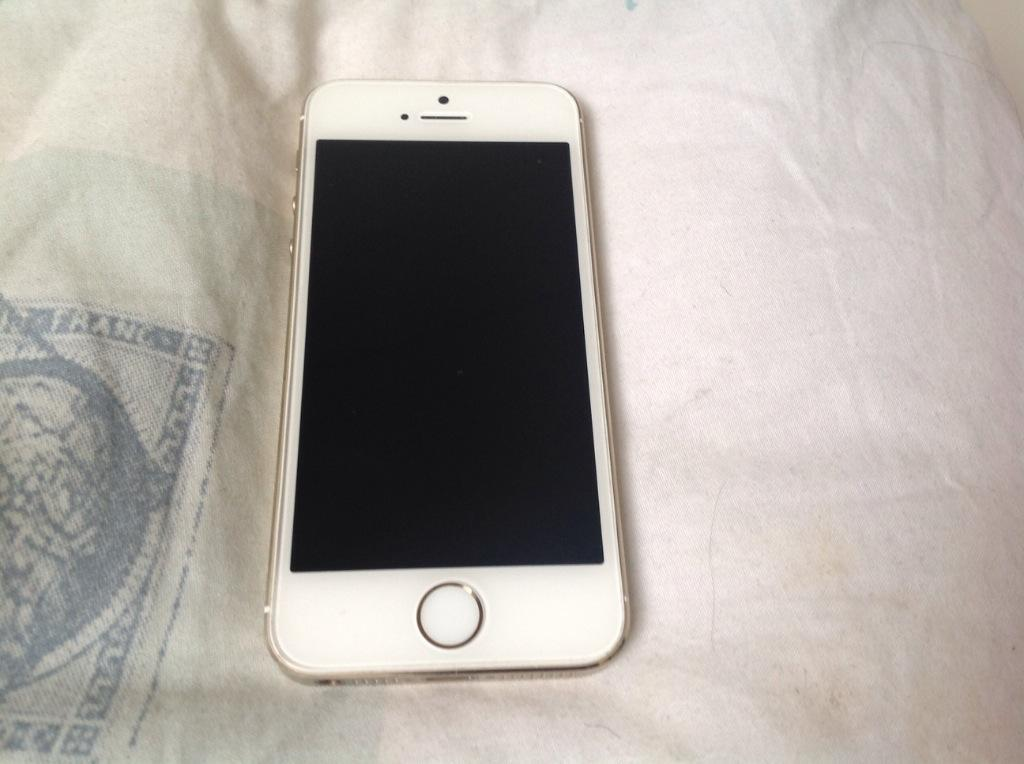 iphone 5s gold for sale iphone 5s gold for in hyde park gumtree 9579
