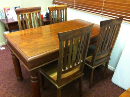 dining table gumtree dining table and chairs