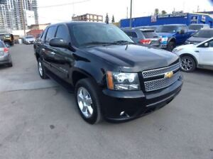 2013 Chevrolet Avalanche / LT /  LEATHER / 4X4 / SUNROOF