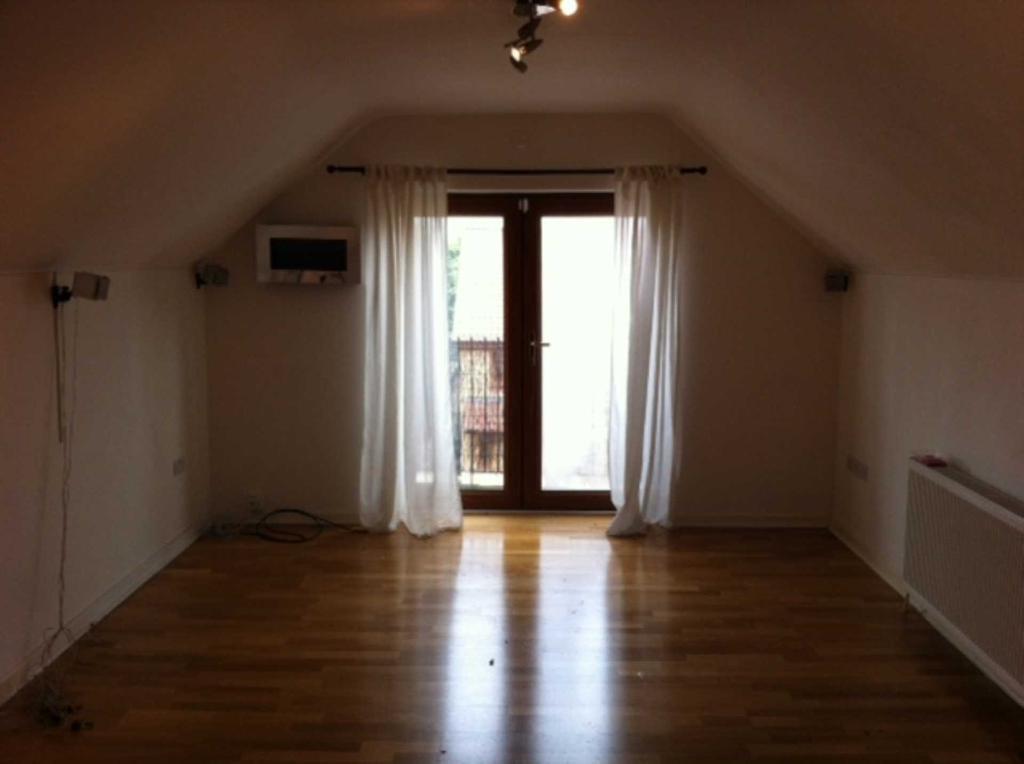 2 bedroom flat in Kiln House, Bennet Castle Lane, Dagenham, RM8 3YB