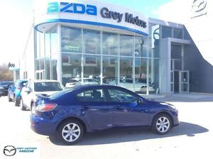 2013 Mazda MAZDA3 GX, 5 Speed Manaul, Air, Power
