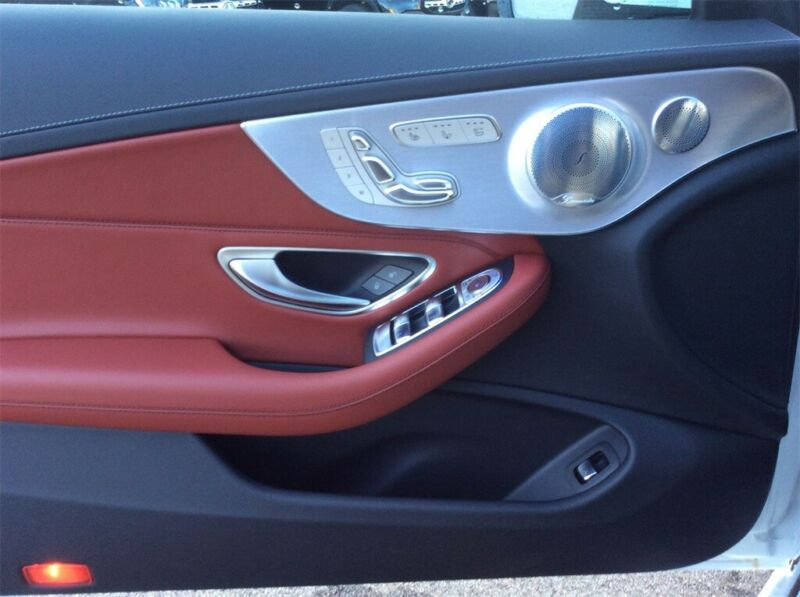 Image 12 Voiture Européenne d'occasion Mercedes-Benz C-Class 2020