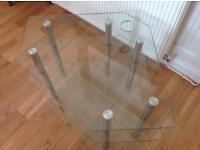 Tempered Glass TV stand, can be used in corners.