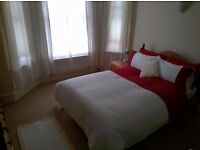 Spacious clean double room to rent for single occupancy