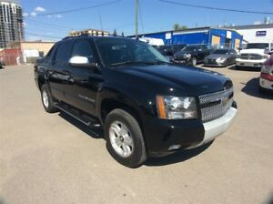 2007 Chevrolet Avalanche / LT / 5.3 / S/ROOF / LEATHER / LOW KMS