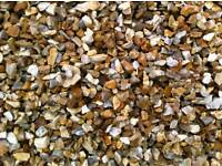 20MM GOLDEN GRAVEL ALSO AVAILABLE IN 10 MM WILL SMARTEN ANY GARDEN UP IN ,VERY DECORATIVE AGGREGATE,