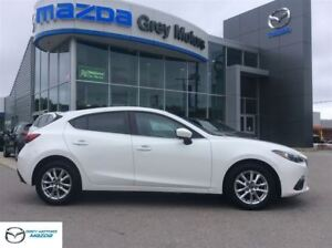 2014 Mazda MAZDA3 GS, Rare Light grey interior, Auto, Heated sea