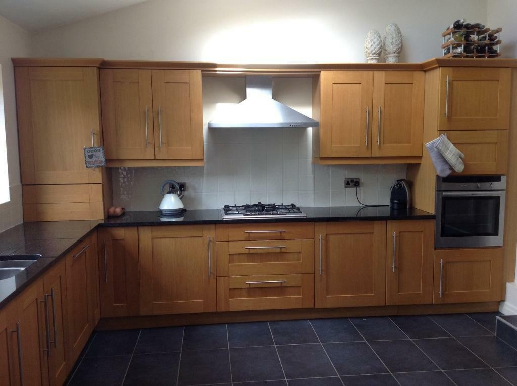 Kitchen with granite worktops and buy sale and trade ads for Black kitchen carcasses