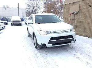 2015 Mitsubishi Outlander ES - ALL WHEEL DRIVE SUV