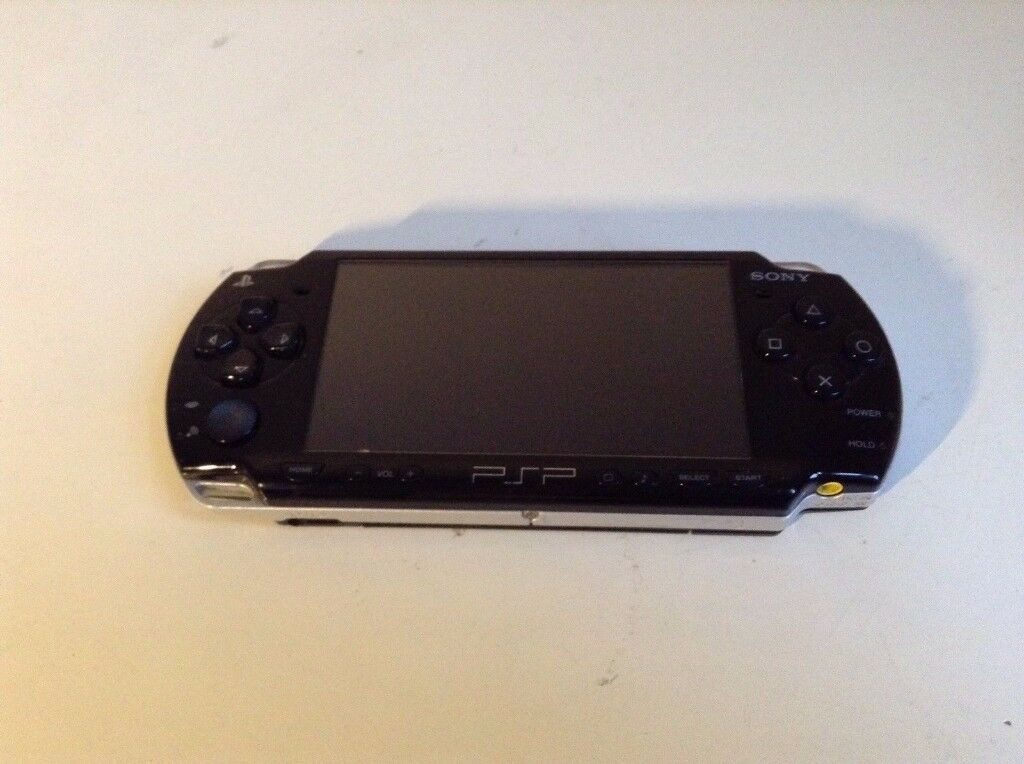 Sony PSP-2000 Piano Black Refirbished Handheld System UK