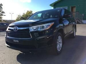 2014 Toyota Highlander LE AWD 7 PASSENGER - RARE FIND WITH PURE