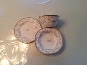 Alfred Meakin Vintage China -- 73 pieces Harmony Rose