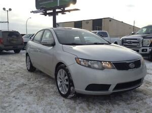 2013 Kia Forte EX - Low KM - Easy Finance / EVERYONE APPROVED