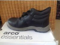 Brand new pair of Arco Essential S1P Safety Chukka Boot Size 10 & size 5