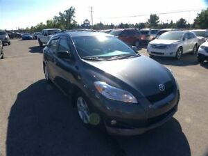 2014 Toyota Matrix / SUNROOF / LOW KMS