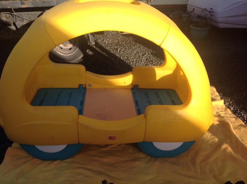 Little tikes yellow car bed for toddlers