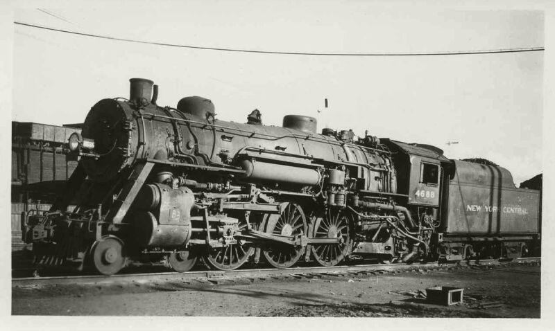 8K532 RP 1947 NEW YORK CENTRAL RAILROAD 4-6-2 LOCOMOTIVE #4688 CHICAGO IL