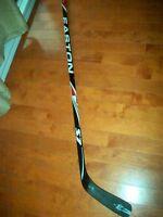 bâtons de hockey NEUFS  Easton Stealth S7 gaucher