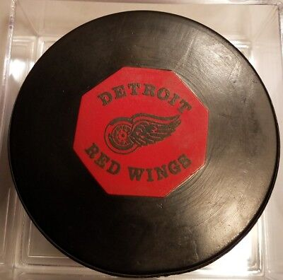 Vintage Detroit Red Wings NHL Converse art ross used Game Puck OFFICIAL CCM TYER
