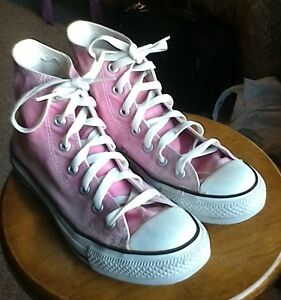 Converse size 7 Cambridge Kitchener Area image 5