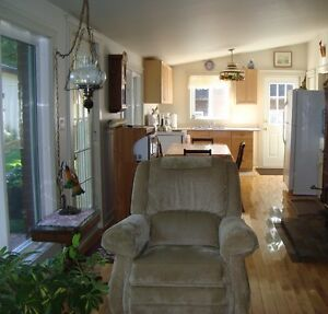 2 bedroom waterfront all year round cottage Kawartha Lakes Peterborough Area image 7