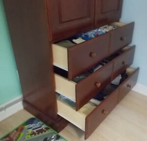 Armoire garde-robes en bois - Wardrobe with drawers in wood West Island Greater Montréal image 3