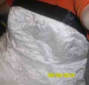 Plus Wedding Dress Regina Regina Area image 2