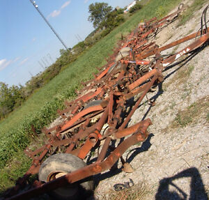 TWO 22 FOOT ALLIS CHALMERS CULTIVATORS 1100 EACH OR BO