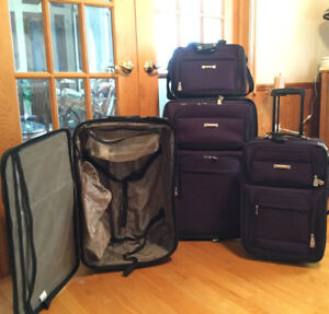 4 piece Air Canada luggage set
