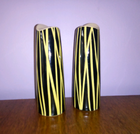 Mid century vintage Midwinter Zambezi design salt and pepper shakers