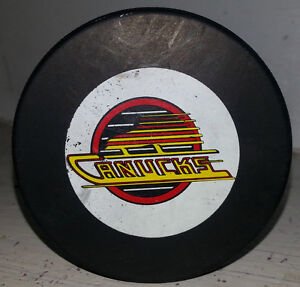 EARLY VANCOUVER CANUCKS NHL HOCKEY PUCK