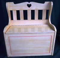VINTAGE PINE CHILD'S BENCH/TOY BOX