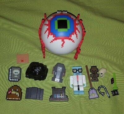 Terraria Minecraft Eye of Cthulhu Boss Figure Parts Pieces Toy Lot