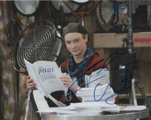 Calum Worthy Austin & Ally Autographed Signed 8x10 Photo COA #S5